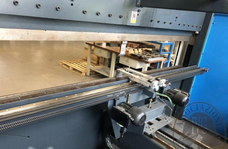 Press Brake hydraulic FINN POWER E-BRAKE 100/3100 TS1 photo on Industry-Pilot