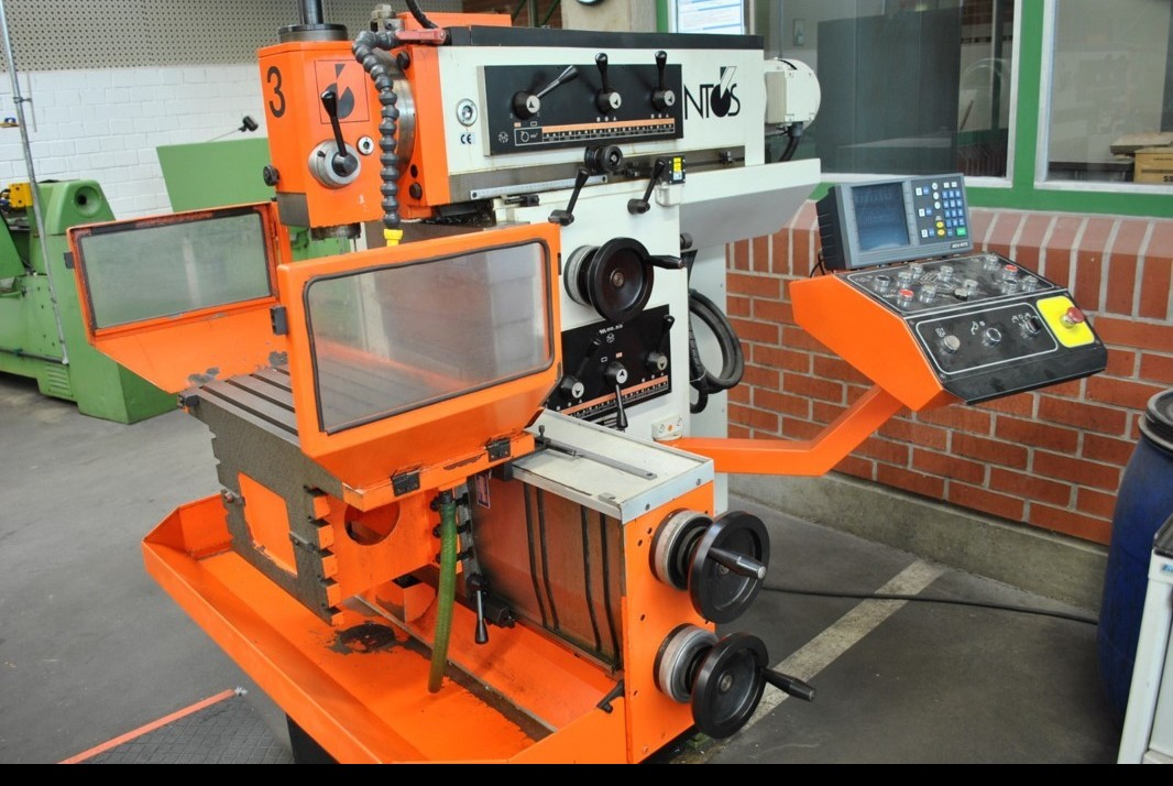 Toolroom Milling Machine - Universal INTOS FNGJ 20 D photo on Industry-Pilot
