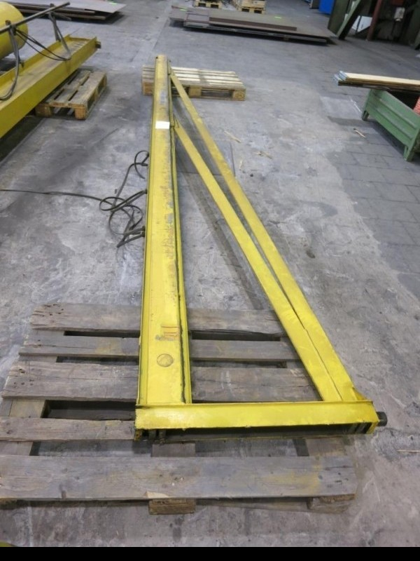 Поворотный кран на колонне DEMAG 1 t фото на Industry-Pilot
