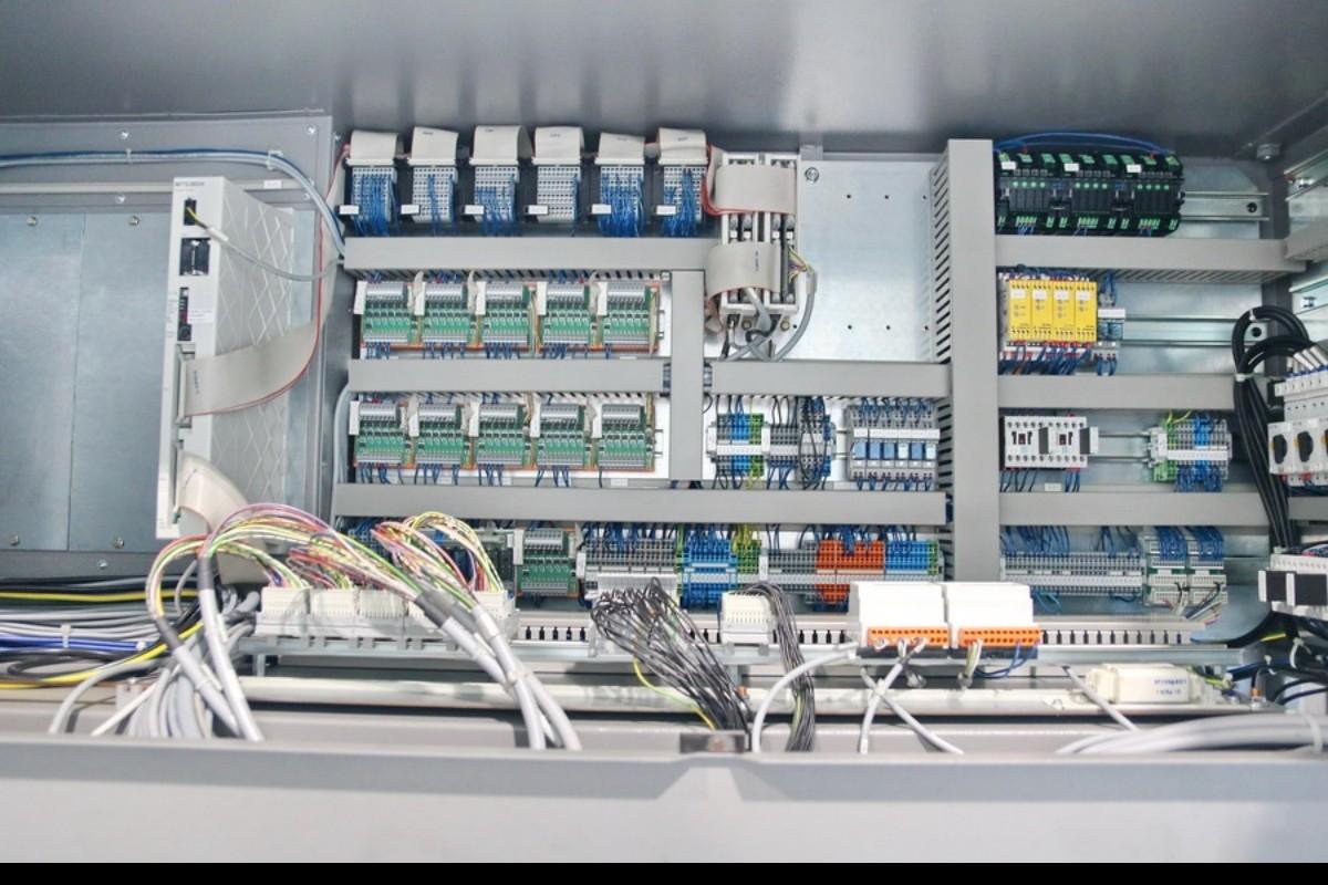 Прутковый токарный автомат продольного точения TRAUB TNL 32 P фото на Industry-Pilot