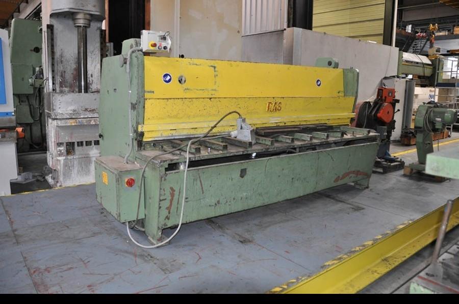 Hydraulic guillotine shear  Ras 2600 x 4 mm фото на Industry-Pilot