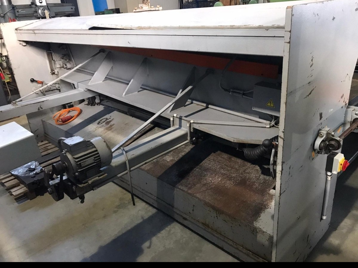 Hydraulic guillotine shear  ATLANTIC ATS 3006 photo on Industry-Pilot