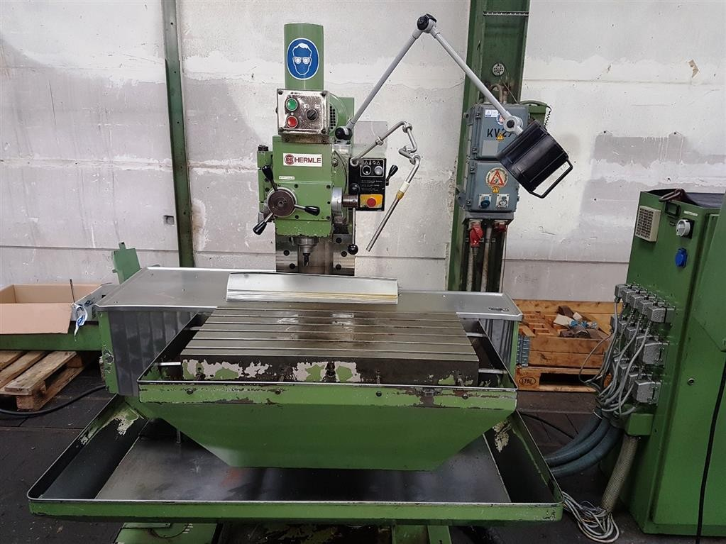 Toolroom Milling Machine - Universal HERMLE UWF 720 фото на Industry-Pilot