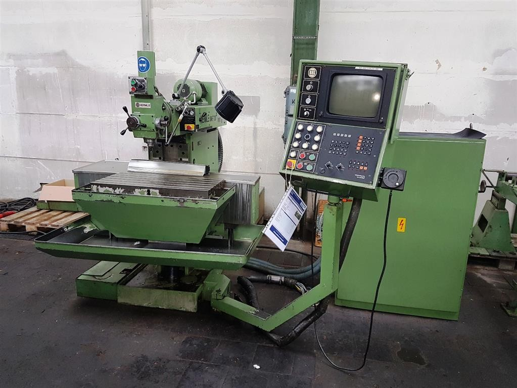 Toolroom Milling Machine - Universal HERMLE UWF 720 photo on Industry-Pilot