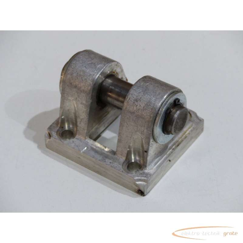 Гидроцилиндр Hersteller unbekannt -Schwenkflansch Material Aluminium фото на Industry-Pilot