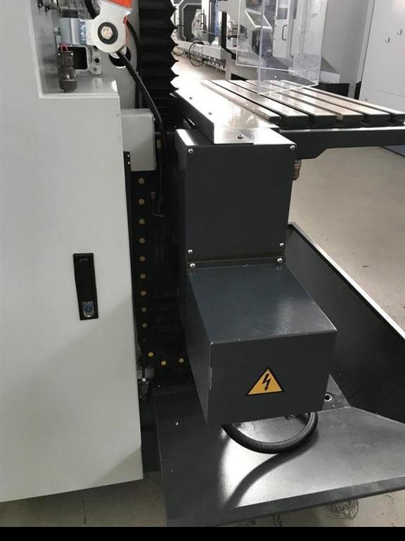 Toolroom Milling Machine - Universal KRAFT WF 400 фото на Industry-Pilot