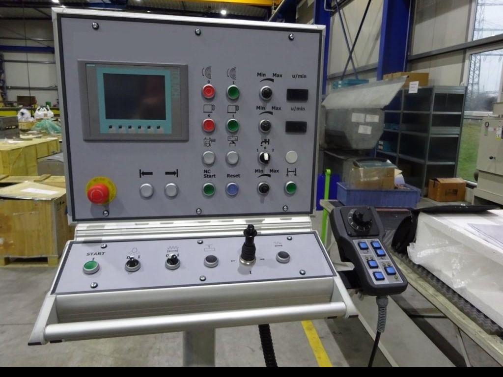 Cylindrical Grinding Machine - Universal TOS BU 28x1000 фото на Industry-Pilot