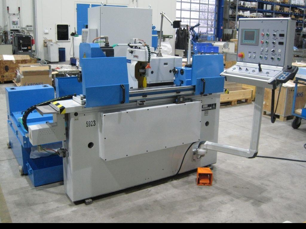 Cylindrical Grinding Machine - Universal TOS BU 28x1000 photo on Industry-Pilot