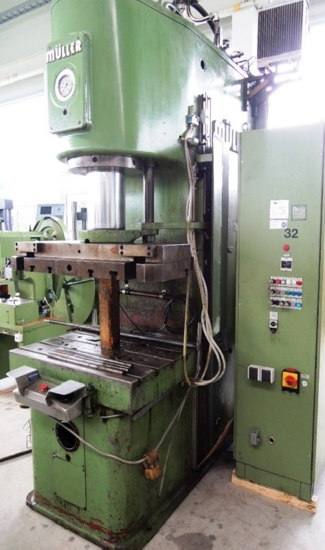 Drawing Press - Single column - Hydraulic MÜLLER CEZ 160 5 8 photo on Industry-Pilot