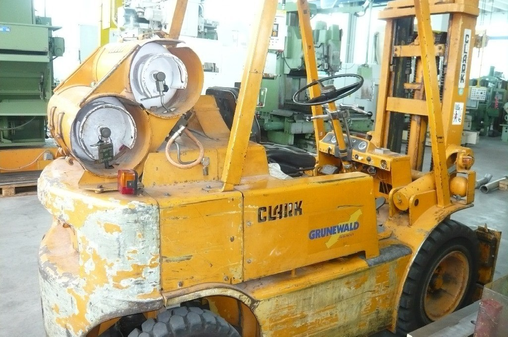 Четырёх колёсный погрузчик CLARK CY 60 фото на Industry-Pilot