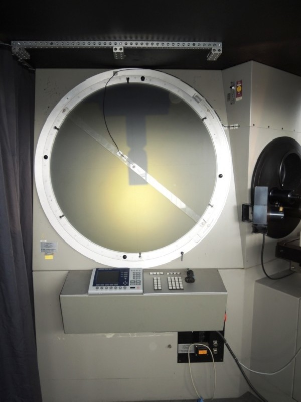 Profile projector SCHNEIDER ST 1000 photo on Industry-Pilot