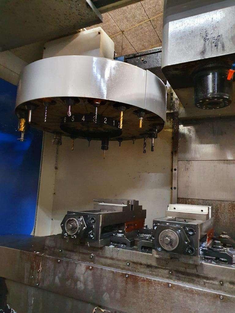 Обрабатывающий центр - вертикальный Mikron-Haas VCE 750 фото на Industry-Pilot