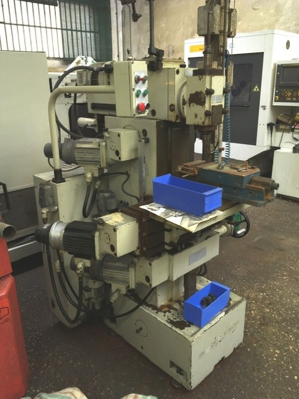 Toolroom Milling Machine - Universal FERRARI MF 1 photo on Industry-Pilot