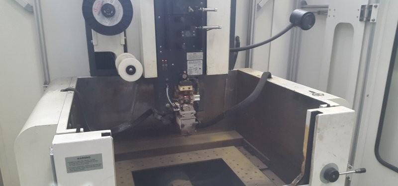 Wire-cutting machine MAKINO EU43 photo on Industry-Pilot