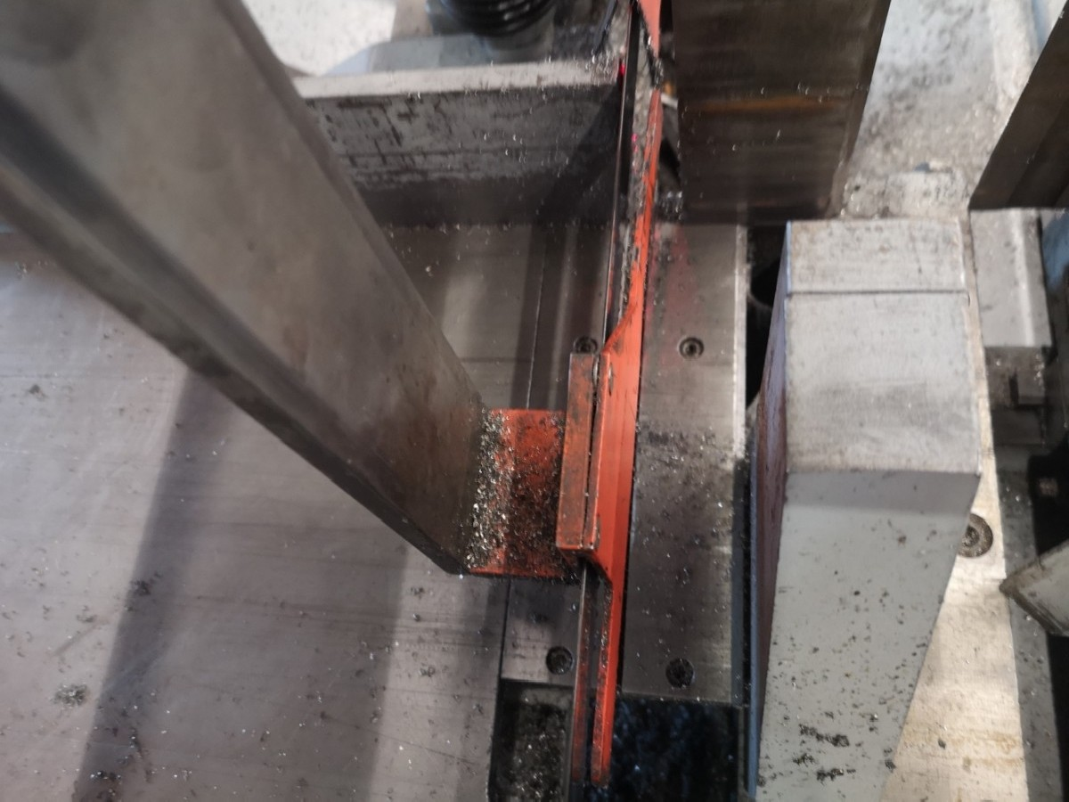 Ленточнопильный станок по металлу MEBA 335 GA фото на Industry-Pilot