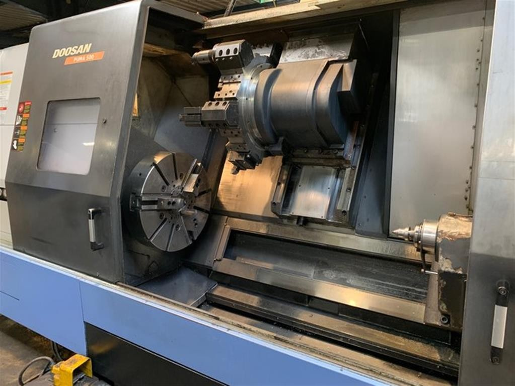 CNC Turning Machine - Inclined Bed Type DOOSAN PUMA 500 photo on Industry-Pilot
