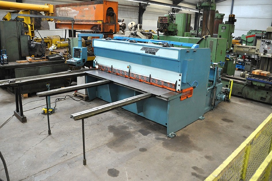 Hydraulic guillotine shear  Gasparini 3100 x 8 mm CNC photo on Industry-Pilot