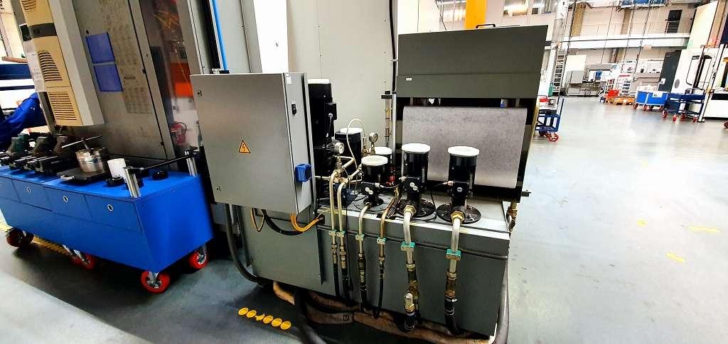 Обрабатывающий центр - универсальный DMG DMC 80 U фото на Industry-Pilot
