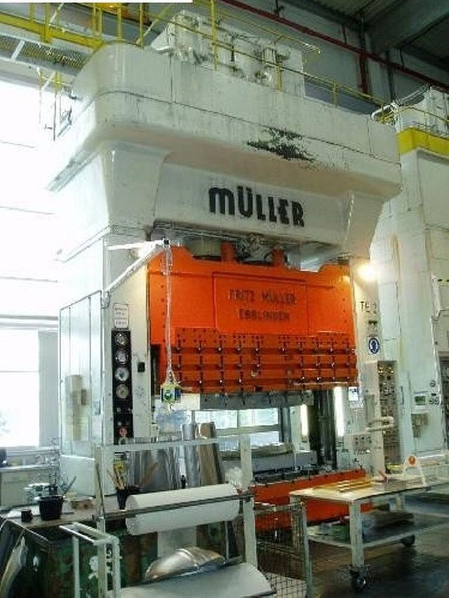 Hydraulic Press MÜLLER ZE 630-32  photo on Industry-Pilot