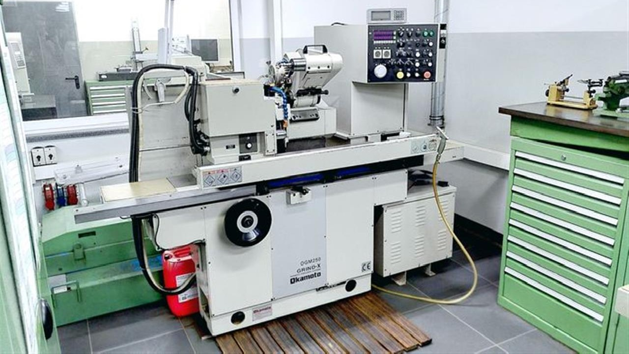Grinding Machine - Universal OKAMOTO OGM 250 UDX Heidenhain photo on Industry-Pilot