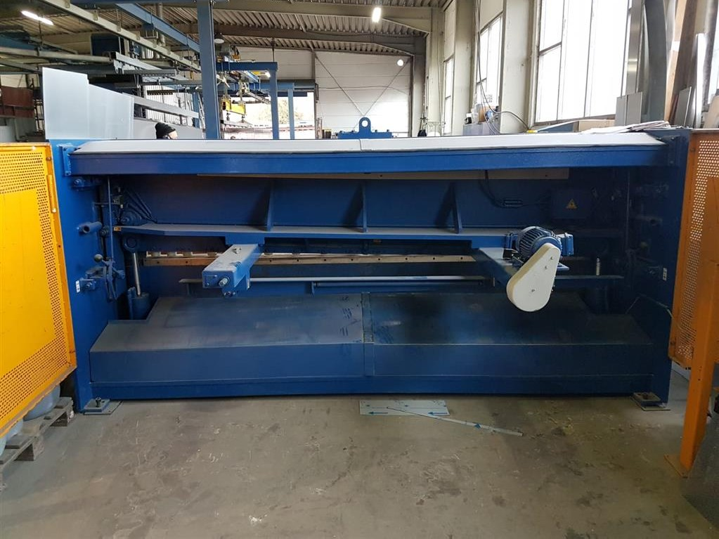Hydraulic guillotine shear  ATLANTIC ATS 3006 photo on Industry-Pilot