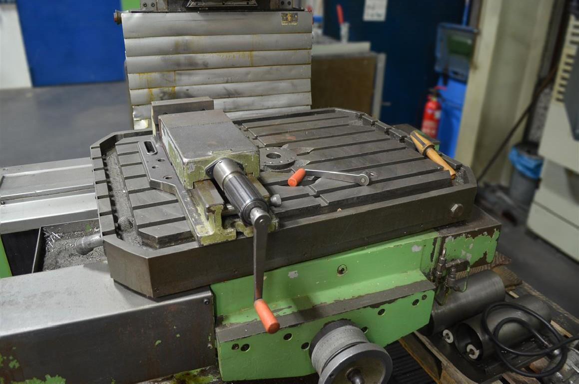 Milling Machine - Universal SHW UF21 photo on Industry-Pilot