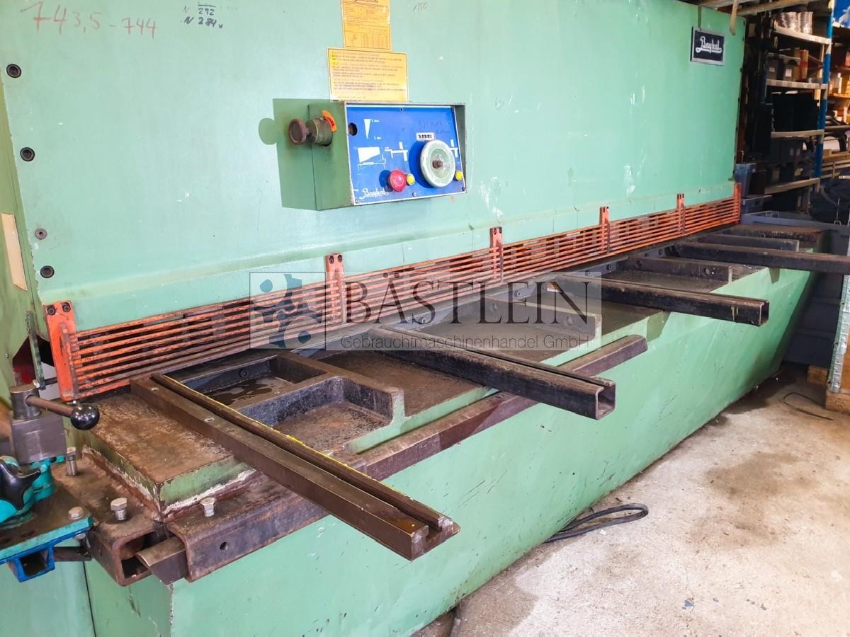 Hydraulic guillotine shear  BAYKAL MGH 3100 photo on Industry-Pilot