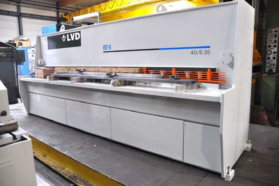 Hydraulic guillotine shear  LVD IST-E 4100 x 6 mm CNC photo on Industry-Pilot