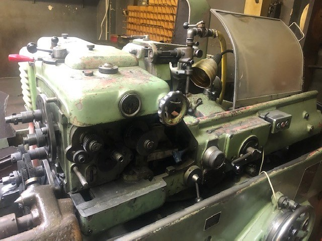 Thread-grinding machine LINDNER GUS a photo on Industry-Pilot