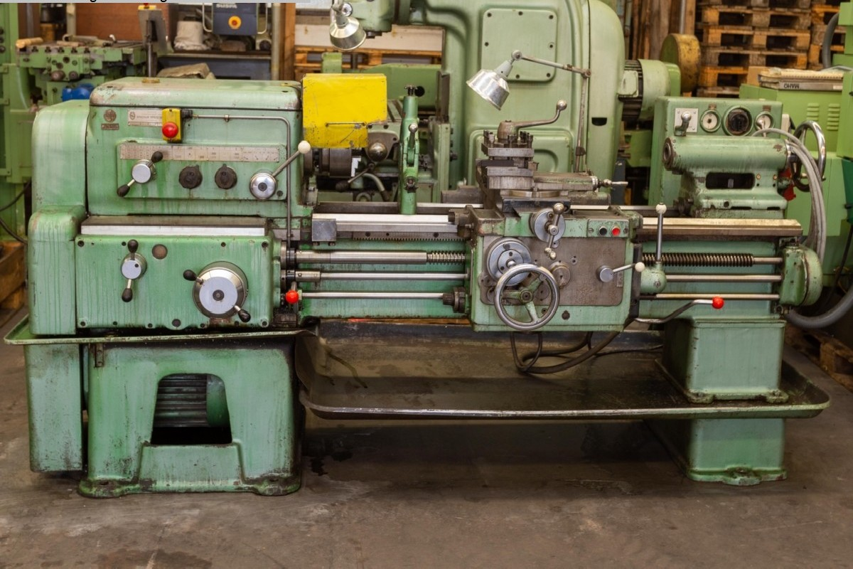 Screw-cutting lathe Stanko 1 K 62 photo on Industry-Pilot