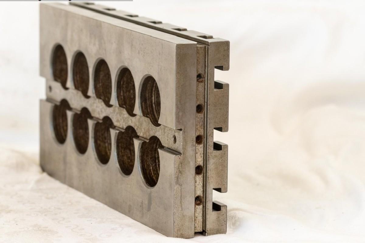 Зажимное устройство Hohenstein Spannvorrichtung 290 x 153 mm Heidenhain фото на Industry-Pilot