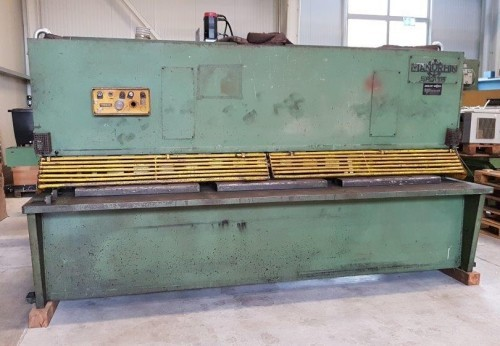 Hydraulic guillotine shear  SAGITA 3116 1981 photo on Industry-Pilot
