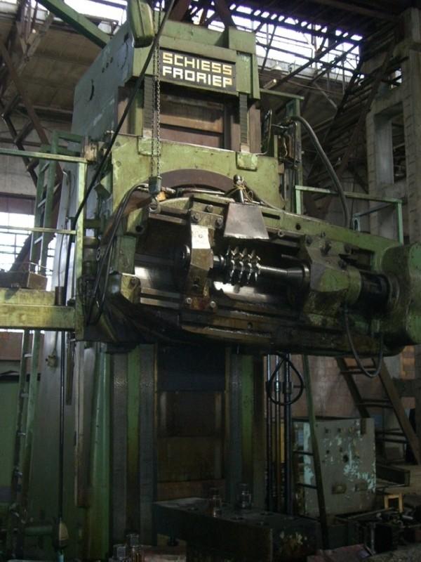 Зубофрезерный станок обкатного типа - вертик. SCHIESS-FRORIEP RF 30/50 фото на Industry-Pilot