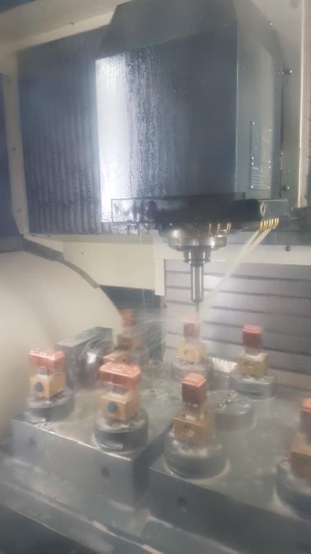Обрабатывающий центр - вертикальный DECKEL DMU 60 monoBlock фото на Industry-Pilot