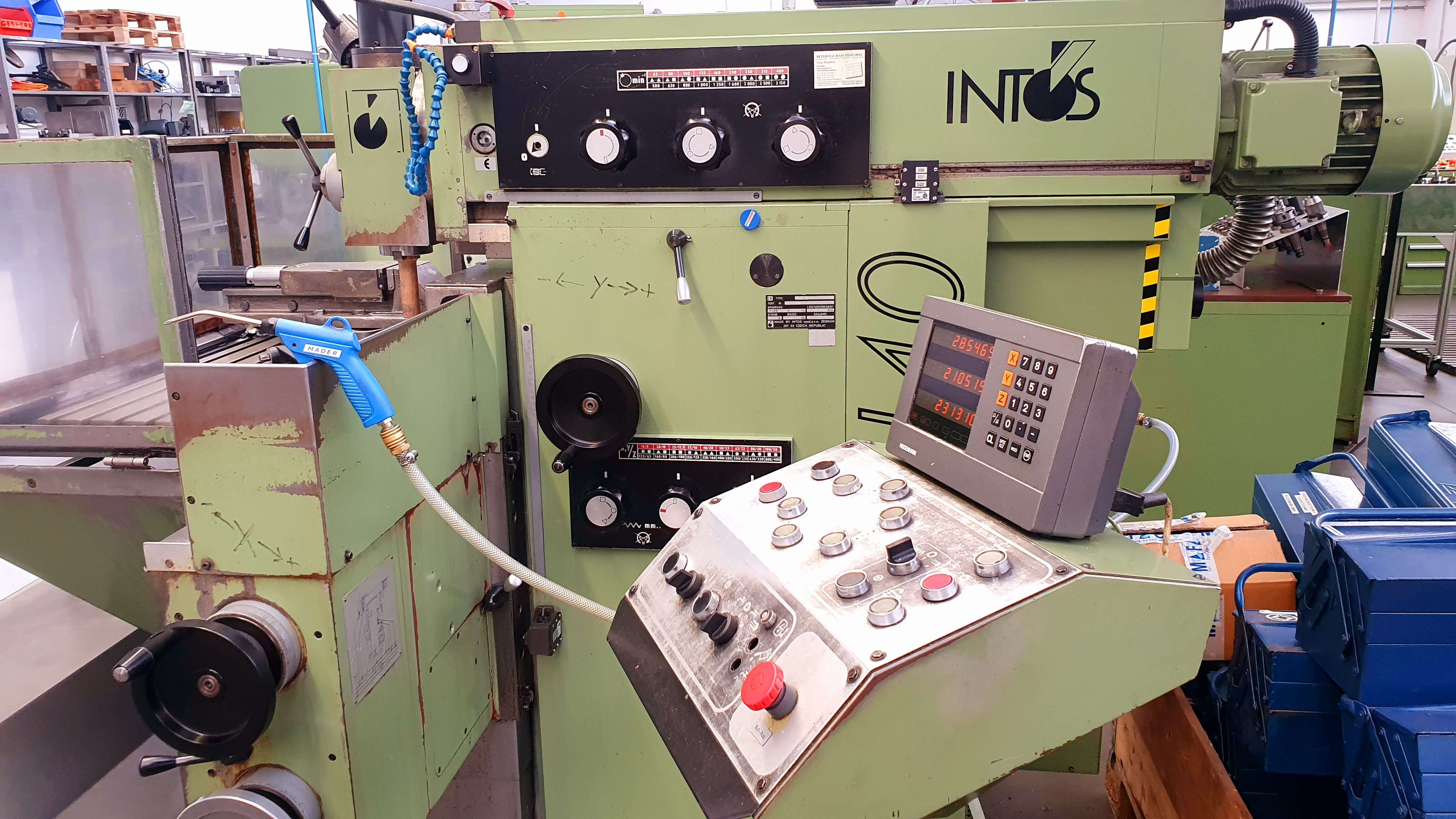 Milling Machine - Universal INTOS FNGJ 40 photo on Industry-Pilot