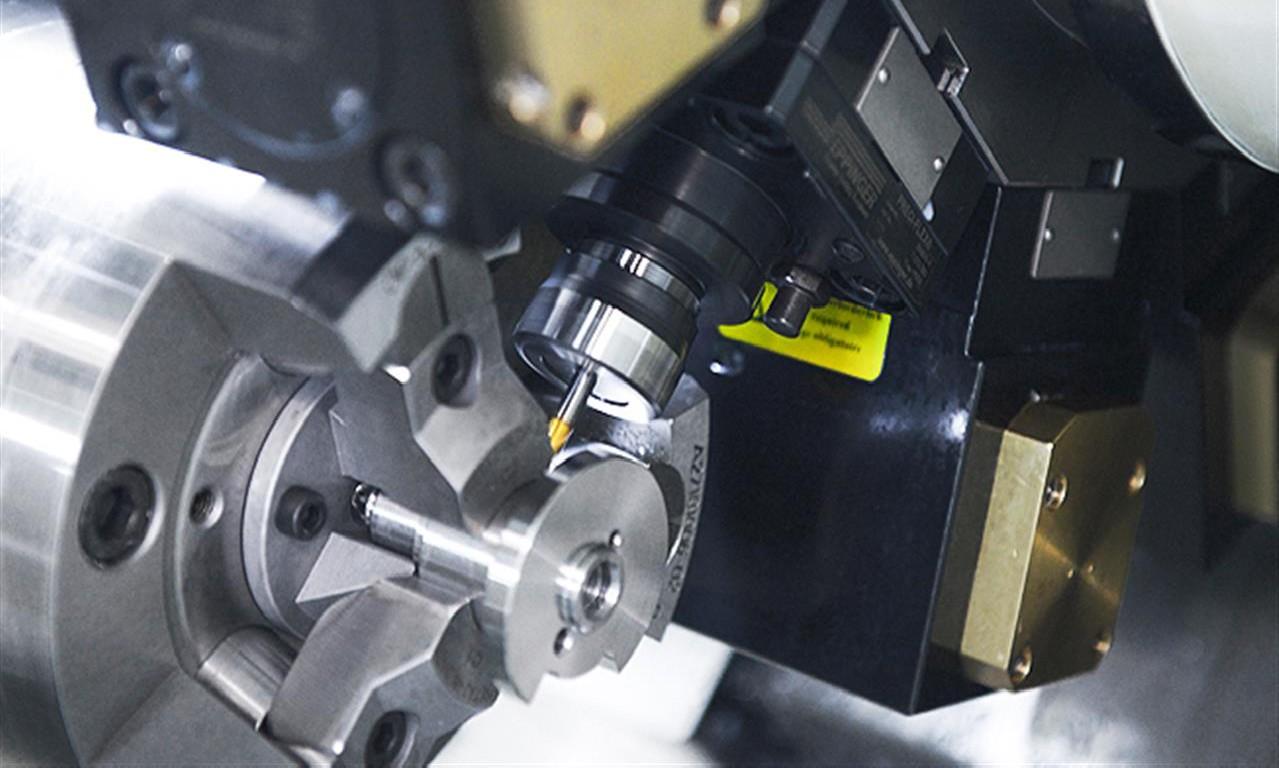 Токарный станок с ЧПУ HYUNDAI WIA HD3100 фото на Industry-Pilot