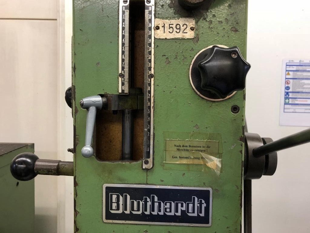 Вертикально-сверлильный станок со стойкой BLUTHARDT B 74 ET фото на Industry-Pilot