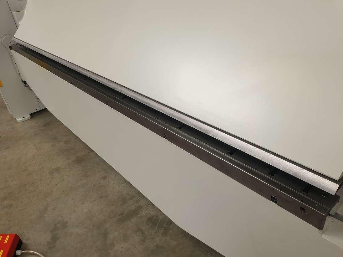 Листогиб с поворотной балкой  RAS 67.30 фото на Industry-Pilot