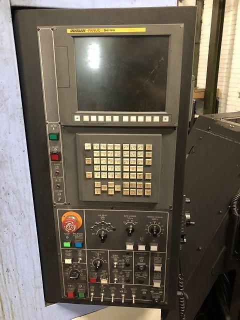 Обрабатывающий центр - вертикальный DOOSAN DNM 500 HSK A40 фото на Industry-Pilot