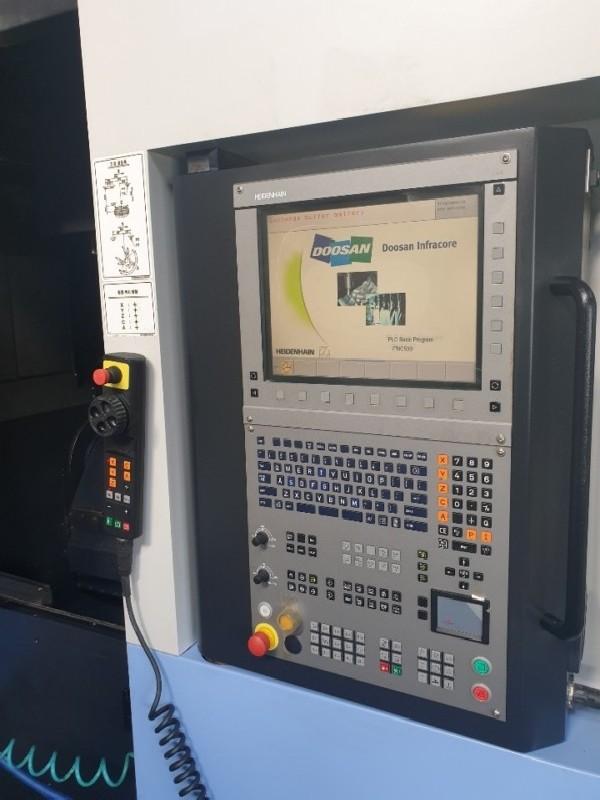 Обрабатывающий центр - универсальный DOOSAN VC 630 5AX фото на Industry-Pilot
