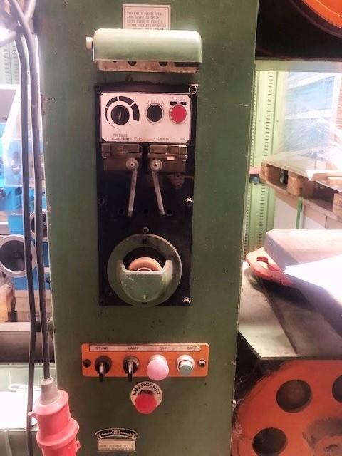 Ленточнопильный станок по металлу - вертик. VIKTOR DCM - 4 фото на Industry-Pilot