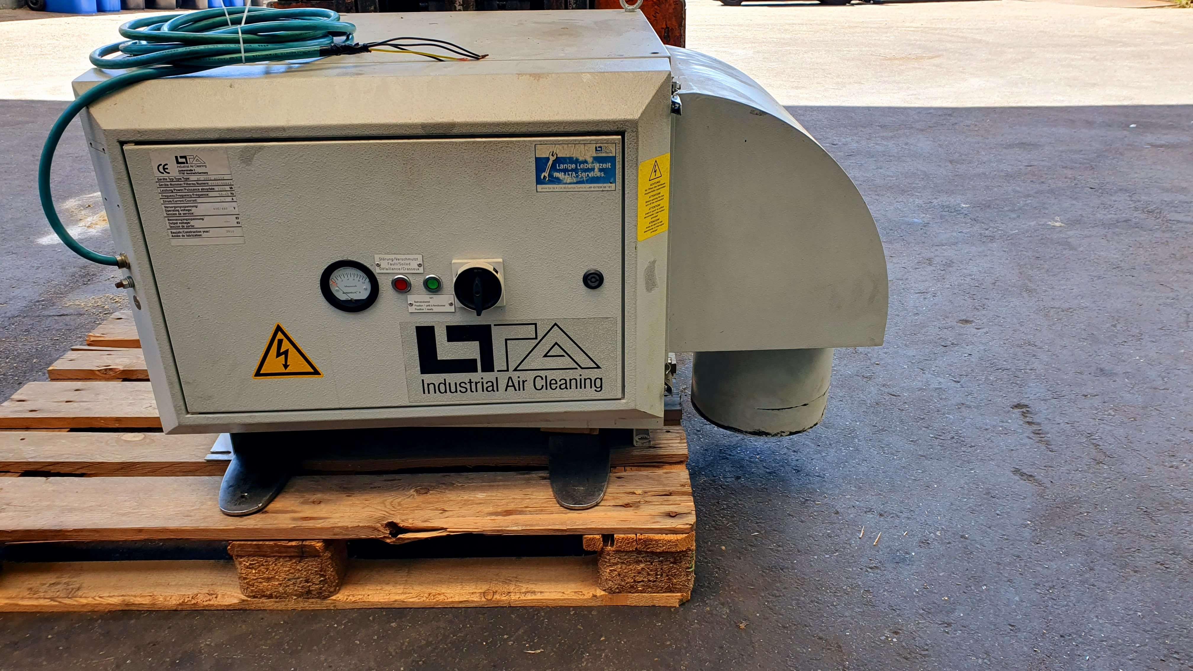 Gebrauchtmaschinen LTA AC 3001 Solid