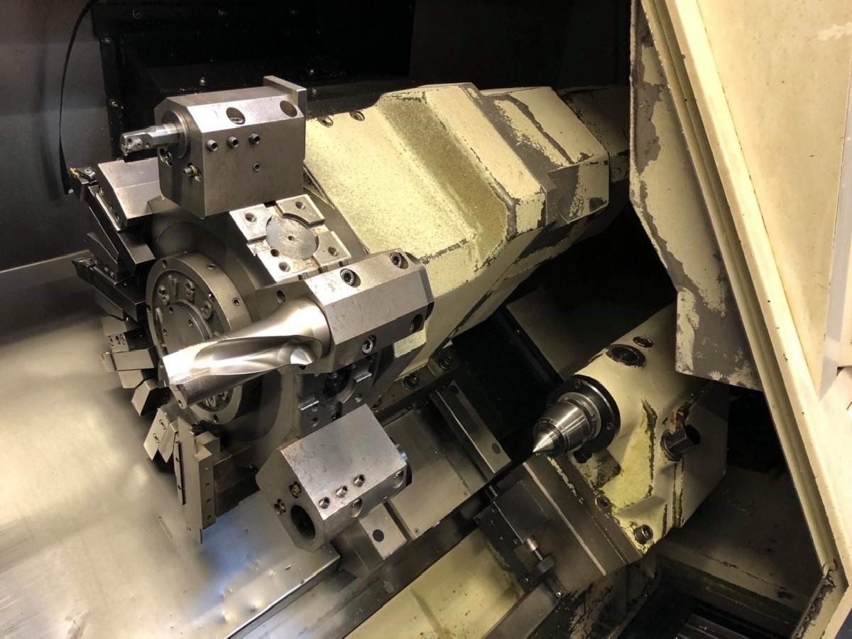 Токарный станок с наклонной станиной с ЧПУ DOOSAN DAEWOO  PUMA 240 MC фото на Industry-Pilot
