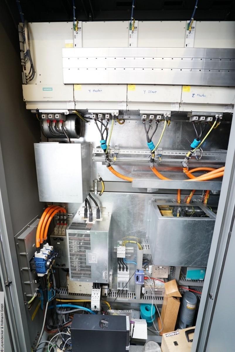 Обрабатывающий центр - вертикальный DMG DMU 340 фото на Industry-Pilot