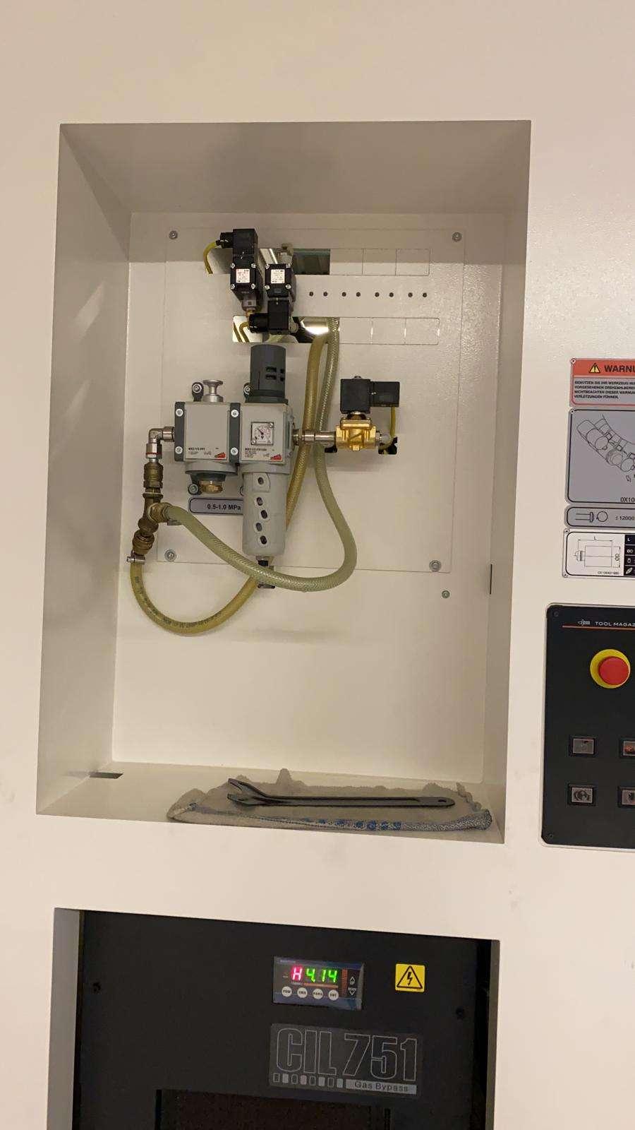 Обрабатывающий центр - вертикальный MZAK VTC 530  фото на Industry-Pilot