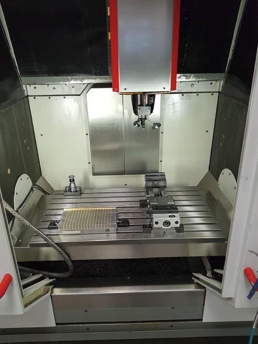 Обрабатывающий центр - универсальный HERMLE C 800 V Universal фото на Industry-Pilot