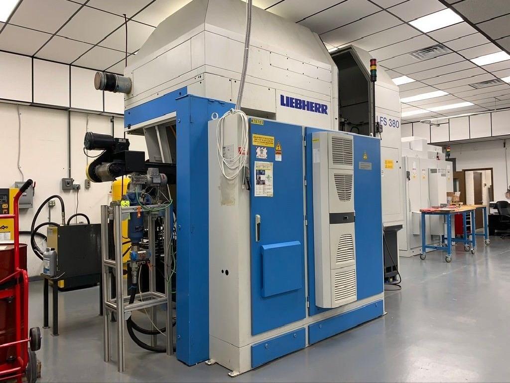 Зубодолбёжный станок LIEBHERR LFS 380 CNC фото на Industry-Pilot