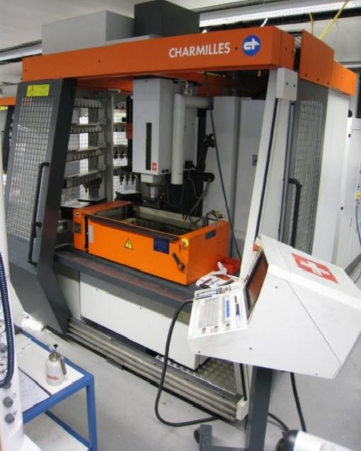Cavity Sinking EDM Machine CHARMILLES Roboform 2400 photo on Industry-Pilot