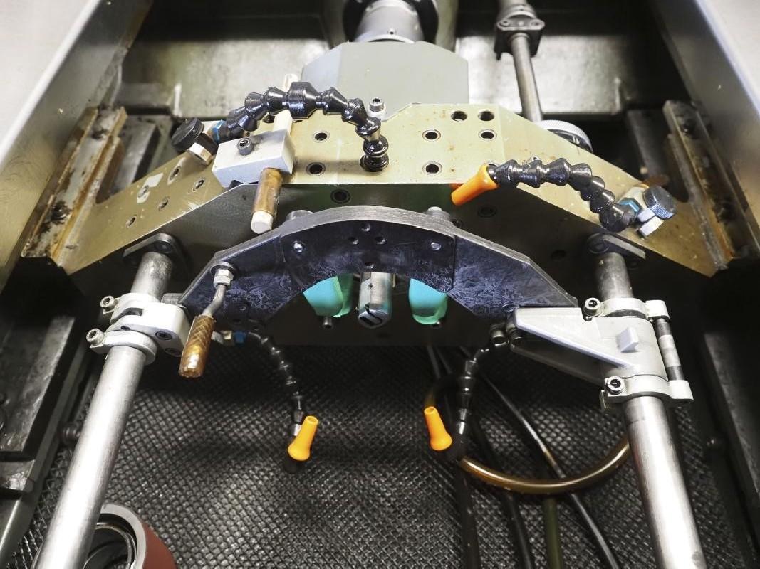 Хонинговальный станок - внутр. - гориз. SUNNEN ML-2000 CGMIAGX фото на Industry-Pilot