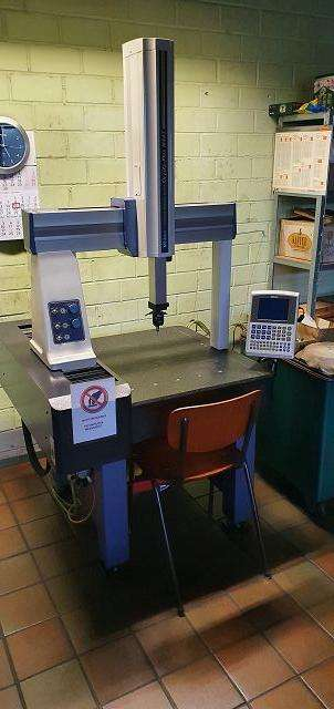 Coordinate measuring machine Mitutoyo Crysta-Plus M443 photo on Industry-Pilot